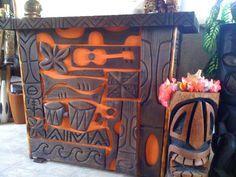 Love this bar!  A very Tiki bar!