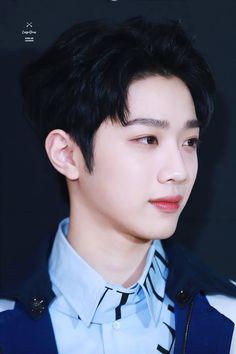 Wanna-One - Lai Guanlin Yoo Seonho, Guan Lin, Lai Guanlin, Cute Korean Boys, Ong Seongwoo, Kim Jaehwan, Ha Sungwoon, Cute Actors, Kpop