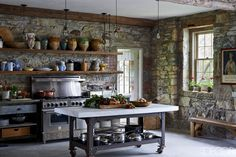 Old country kitchens farmhouse kitchen ideas decor design refinishing rusti Old Country Kitchens, Small Rustic Kitchens, Country Kitchen Farmhouse, Country Kitchen Designs, Rustic Kitchen Design, Interior Design Kitchen, Gray Kitchens, Rustic Cottage, Cottage Style
