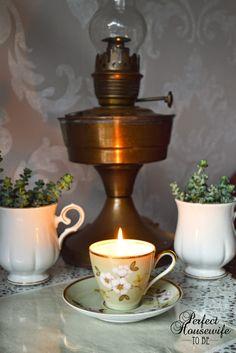 Leuke DIY voor de herfst en winter: kaarsjes in vintage theekopjes. How-to op het blog!
