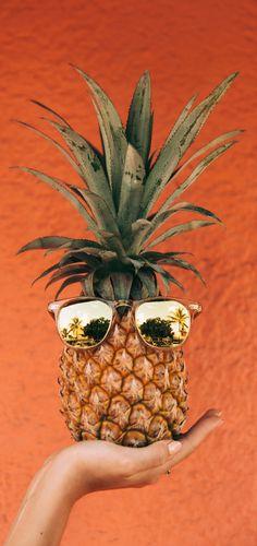 Pineapple & Sunglasses