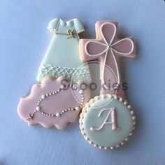 Girl Baptism Cookies/ Christening Decorated Cookies/ Baptism Decorated Cookies/Holy Communion Cookies/First Communion/ Favor / 1 Dozen First Communion Favors, Baptism Favors, First Holy Communion, Baptism Desserts, Baptism Centerpieces, Baptism Party, Baby Cookies, Royal Icing Cookies, Sugar Cookies
