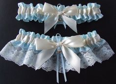 Cinderella Garter Set, perfect for your fairy tale princess wedding. Hand-crafted by PikesPeakCreations using only the highest quality materials. This set will be made to order. Please check our shop announcements for our current processing times. This set can be made in light blue with ivory bows, light blue with white bows - or in any number of other colors (pink, lavender, aqua, purple, black, etc.) If youd like this set made in a color combination that isnt listed, please send me a…