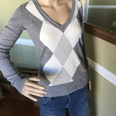 Adorable sweater Good condition picture 2 shows a small fabric spot but not notable when wearing just noticed when listing great soft a comfortable sweater J. Crew Sweaters Crew & Scoop Necks