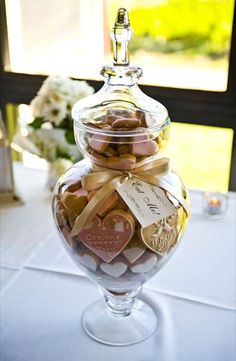 Wedding favours by polka dot cookies