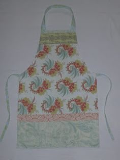 runcibledays: Upcycled apron from the airing cupboard (aka the pillowcase pinny)