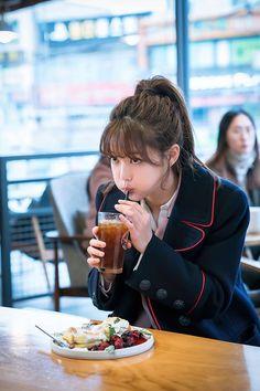 Beautiful Chinese Girl, Most Beautiful Faces, Cute Korean, Korean Girl, Love In The Moonlight Kdrama, Korean Beauty, Asian Beauty, Kim Joo Jung, Korean Bangs