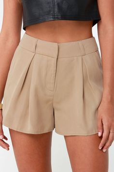 Whether you're traveling for business or pleasure the First Class Traveler Beige High-Waisted Shorts will keep you looking chic! Starting with a high,… – Shorts Short Outfits, Summer Outfits, Short Skirts, Short Dresses, Khaki Shorts, Beige Shorts Outfit, Tailored Shorts, Floral Shorts, Jean Shorts