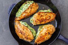 Spinach Stuffed Chicken Breast Recipe Baked Chicken Legs, Baked Chicken Breast, Chicken Thigh Recipes, Chicken Meals, Spinach Stuffed Chicken Breast Recipe, Stuffed Chicken Breasts, Chicken Bites, Keto Chicken, Crack Chicken
