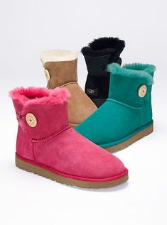 The buttoned-up style you love, now in a short bootie. The UGG® Australia Mini Bailey Button Boot from Victoria's Secret is a cozy cold-weather essential in ultra-soft shearling. With a short shaft and logo-button closure at the side. Classic Ugg Boots, Ugg Classic, Classic Mini, Fashion Days, Fashion Women, Fashion Trends, Boy Fashion, Winter Fashion, Fashion Tights