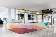 Multicoloured concrete bar forms ice cream stand inside Victoria shopping centre 44 Beautiful Interior Ideas You Will Definitely Want To Keep – Multicoloured concrete bar forms ice cream stand inside Victoria shopping centre Source Concrete Bar, Concrete Design, Concrete Counter, Kiosk Design, Retail Design, Booth Design, Commercial Design, Commercial Interiors, Mall Kiosk