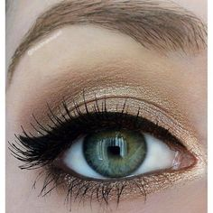 Simple shimmery gold look - This fashion