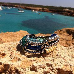 Endless summer with our 'COMO UNA OLA' bracelet. #UNOde50 //¿Quién dijo que en septiembre se acaba el verano? ¡Escápate con tu pulsera 'COMO UNA OLA' y sigue disfrutando del verano!