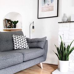 Looking forward to a lazy Sunday spent on our new sofa [the hand me down blue leather is gone! ] #mydfs #frenchconnection
