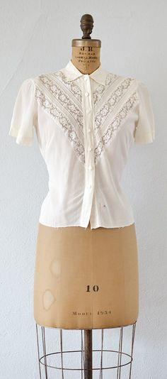 vintage 1940s cream lace panels blouse   A Good Wish Blouse #vintage #1940s #lacepanel