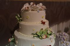 Did you see this beauty of a #weddingcake at the #ORLPWGShow? See even more wedding cakes at the next Orlando PWG Wedding Show! Find the next show at Orlando.PWGShows.com