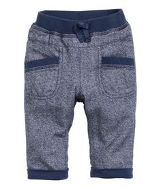 Explore our fashionable baby underwear, inclusive of cute vests and woolens available. Baby Outfits, Kids Outfits, Kids Fashion Boy, Toddler Fashion, Baby Girl Pants, Boys Wear, Baby Sewing, Boys T Shirts, Kind Mode