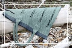 Tone i tone hækling - Dip dye Drops Design, Dip Dye, Arm Warmers, Crochet Stitch, Crochet Bikini, Purses And Bags, Knitting, Crafts, Inspiration