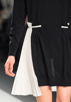 Sweater dress with fabric pleated panel - pleats, waist tie detail & unfinished hem; contrasting black & white fashion details // SACAI