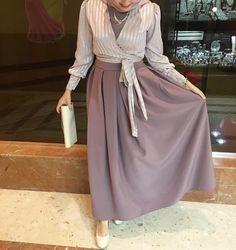 2019 Hijab Combinations Rose Dried Long Dress Mink Long Sleeve Bolero Mink Stiletto Shoes – Best Of Likes Share Hijab Evening Dress, Hijab Dress Party, Hijab Style Dress, Hijab Look, Abaya Fashion, Skirt Fashion, Fashion Dresses, Islamic Fashion, Muslim Fashion
