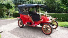 Ford Model T 100 YEARS OF WEDDING CAR INSPIRATION: A CAR FOR EACH DECADE (PART 1) | Raspberry Wedding