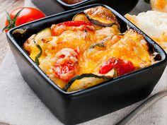 Gemüselasagne  Die Kinder wollen mal wieder Nudeln, meine Frau wie immer Gemüse.  Gemüselasagne befriedigt alle Wünsche.   http://einfach-schnell-gesund-kochen.de/gemueselasagne/