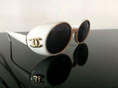 AUTHENTIC CHANEL VINTAGE SUNGLASSES! IN WHITE VERY RARE! CLASSIC | Abbigliamento e accessori, Donna: accessori, Occhiali da sole e neutri | eBay!