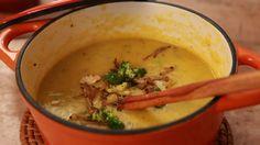 Sopa de legumes com brocolis crocante