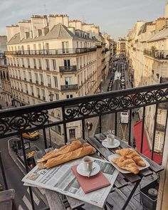 Take me to Paris! City Aesthetic, Travel Aesthetic, Aesthetic Coffee, Places To Travel, Places To Go, Living In Europe, Paris Ville, Dream Vacations, Destinations
