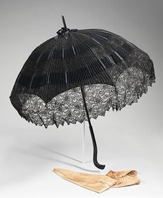 Parasol Made Of Silk, Wood, Metal And Cotton - American c.1895-1900 - The Metropolitan Museum of Art