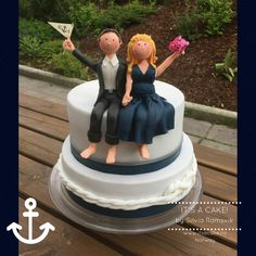 They give life to your cake. They can carrie the features of its owner, maybe to express the profession, passion for sports, animals, brands… the possibilities are many :-) I have my own styl… Nautical Wedding Cakes, Sugar Paste, Novelty Cakes, Cake Toppers, Fondant, Birthday Cake, Carrie, Desserts, Passion