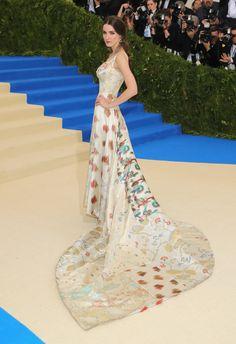 What your favorite celebrities wore to the 2017 Met Gala. Rei Kawakubo, Gala Dresses, Red Carpet Dresses, Nice Dresses, Evening Dresses, Long Dresses, Gala Gowns, Couture Dresses, Celebrity Red Carpet