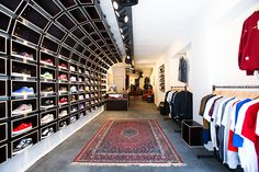 Calico Jack - a sneaker store in Venlo, Netherlands, 7km from the German border. Besides great shopping opportunities, including bucketloads of cheap liquorice and little bags of high-grade ganja, Venlo now also has a fine range of sneakers on offer...