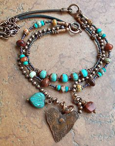 beaded heart necklace, leather necklace, turquoise necklace by catrulz Bohemian Jewelry, Wire Jewelry, Jewelry Crafts, Beaded Jewelry, Jewelery, Handmade Jewelry, Jewelry Ideas, Jewellery Uk, Jewelry Patterns
