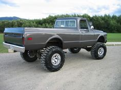 70's Chevy 4x4 pickup