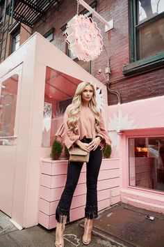 Is there such a thing as too much pink? Honestly I was just trying to blend in with my surroundings… but seriously, I am obsessed with this pink look. Ny Fashion, Spring Fashion, Vintage Fashion, Pink Street, Nyc, Photoshoot Inspiration, Pink Aesthetic, Letting Go, Cute Pictures