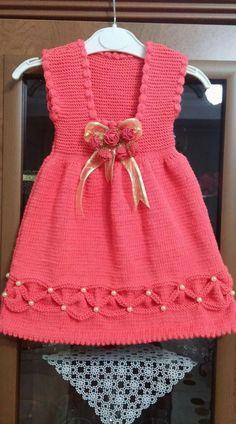 Crochet patterns for kids little girls hobbies 37 Ideas Girls Knitted Dress, Knit Baby Dress, Crochet Girls, Crochet Baby Clothes, Baby Cardigan, Crochet Baby Dress Pattern, Baby Dress Patterns, Baby Knitting Patterns, Crochet Patterns