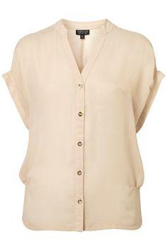 Side tuck chiffon blouse (via @eastsidebride)