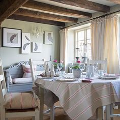 Romantic country dining room | Dining room decorating | 25 Beautiful Homes | Housetohome.co.uk