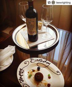 Happy Birthday to our Guest!🎁 @leewrighting #boscolohotels #boscolobudapest #birthday #celebration #surprise #fivestarhotel