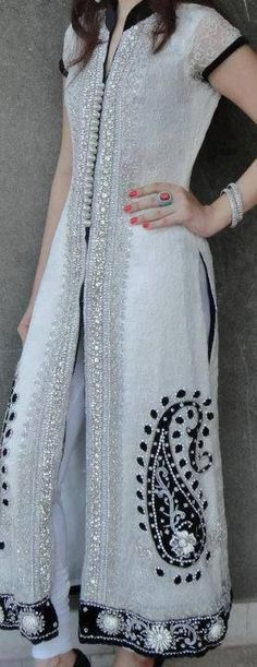 interesting outfit Beautiful visit us… Desi Wear, Designer Kurtis, Indian Attire, Indian Wear, Indian Style, Pakistani Outfits, Indian Outfits, Asian Fashion, Hijab Fashion
