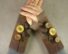 felted fingerless gloves wrists warmers