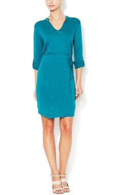 Beautiful color! Perfect dress for day-to-night wear!