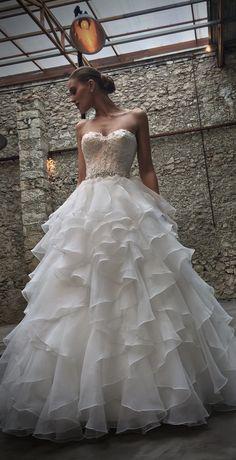 Behind The Scenes | Cosmobella Wedding Dress Shoot 2017