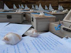 Προσκλητήριο με μπομπονιέρα μαζί κουτάκι θαλασσινό Nautical, Place Cards, Place Card Holders, Party, Navy Marine, Parties, Nautical Style, Nautical Theme