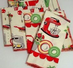 Retro Kitchen Motif - Cotton - Reusable - Dinner Napkins - set of 4 Hd Vintage, Vintage Tee, Vintage Decor, Vintage Linen, Vintage Farm, Vintage Ideas, Vintage Floral, Vintage Textiles, Vintage Antiques