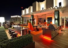 LOVE the outdoor lounge feel... and that pop of ORANGE adds rocket energy!
