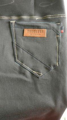 Short Jeans, Denim Jeans Men, Stylish Men, Jeans Style, Mens Fashion, Manish, Mens Jeans Outfit, Men Models, Flare Leg Jeans