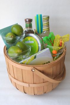 The BEST wedding gifts basket ideas that any bride and groom will love! Find AMAZING gift baskets for the perfect wedding gift. Here are some creative and unique DIY wedding gift baskets that are super cute and fun. Summer Gift Baskets, Wedding Gift Baskets, Diy Wedding Gifts, Alcohol Gift Baskets, Wine Gift Baskets, Alcohol Gifts, Kitchen Gift Baskets, Creative Gift Baskets, Margarita Gift Baskets