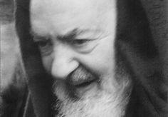 Estratto del libro I miracoli che hanno fatto santo Padre Pio, di Enrico…